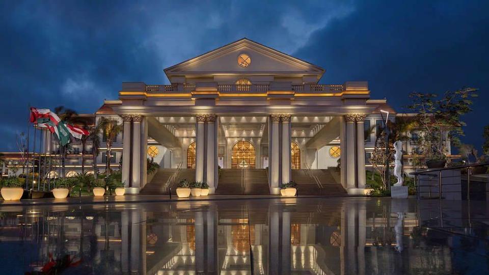Marriott Breaks Record with 815 Hotel Deals