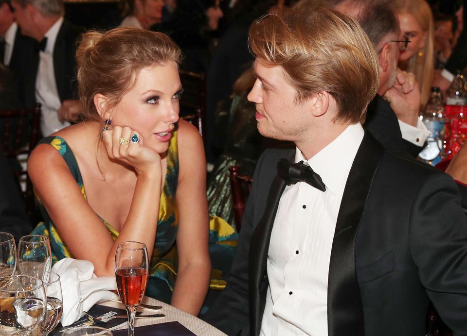 Taylor Swift's Romantic Trip to Maldives