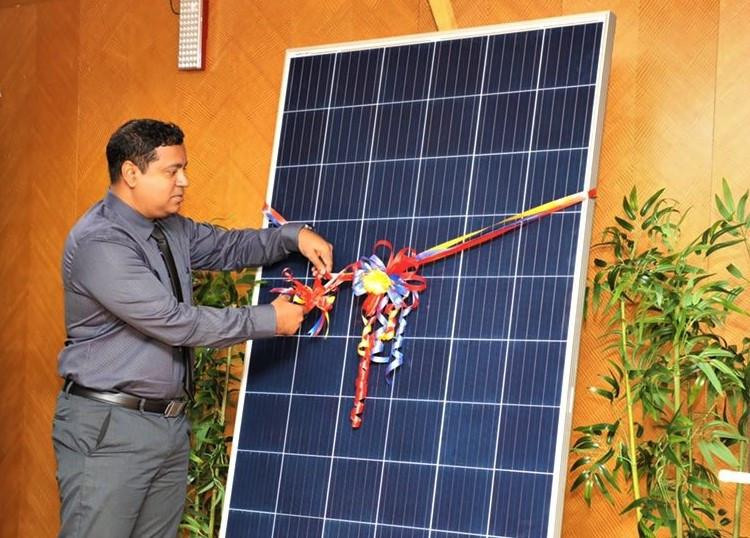 Stelco Sells Solar Panels for Installment