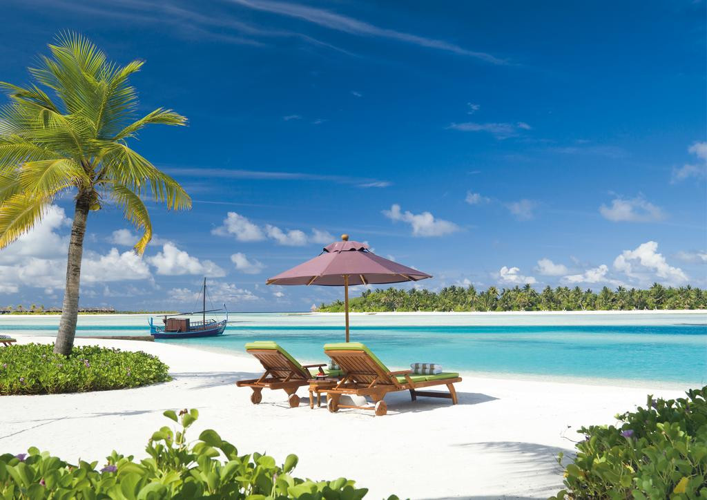 3 Maldives Hotels for 3 Styles of Travelers