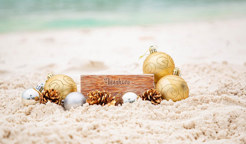 Join Innahura this Holiday Season for a'White and Gold Coastal Christmas'!