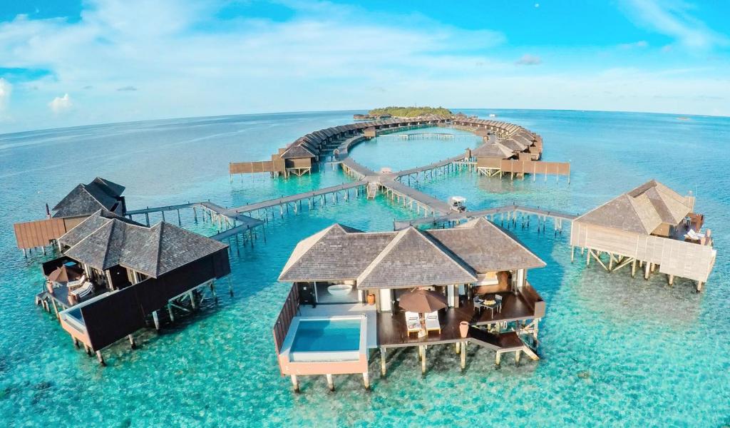 Lily Beach Resort Celebrates Triumphant Victory at Haute Grandeur Global Awards 2021!