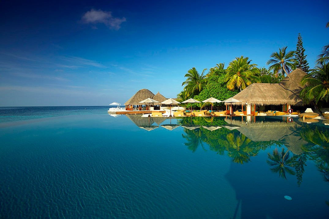 Stay Small, Stay Longer. Book Huvafen Fushi with SLH Now