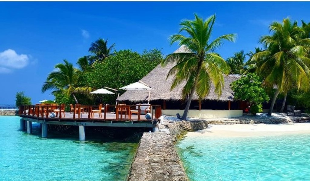 Makunudu Island - A Paradise Preserved