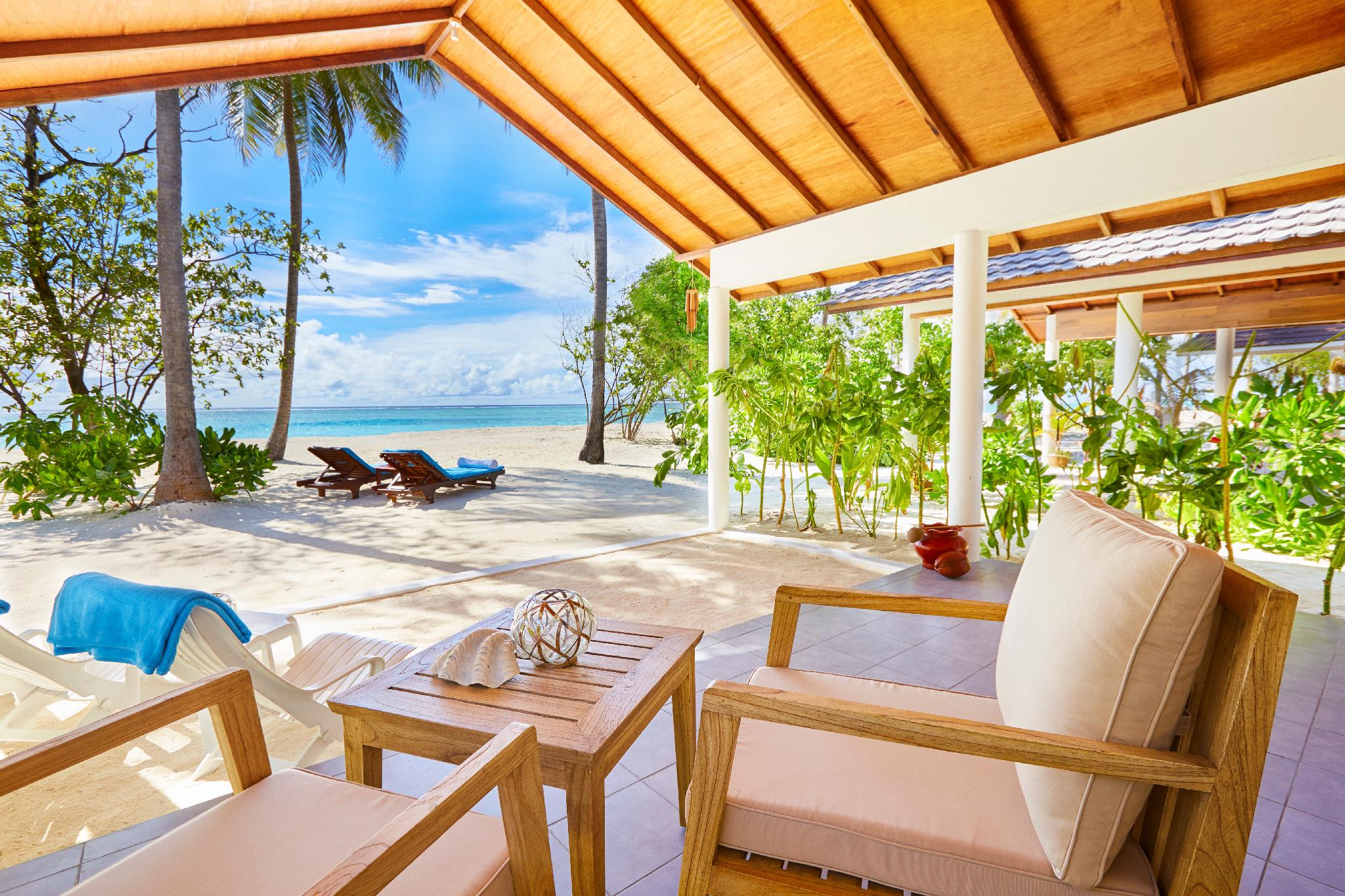 Innahura Maldives Resort- Affordable Luxury