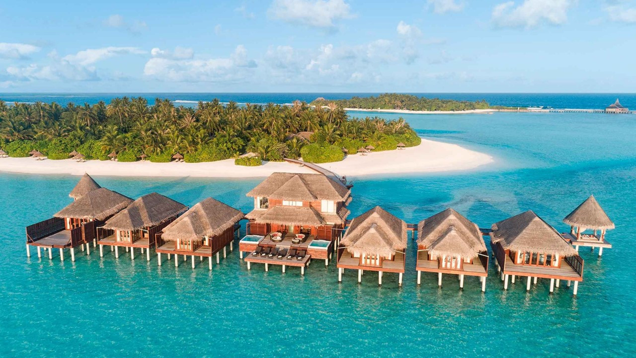 Stay Longer to Discover Wonders of Maldives with Anantara